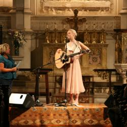 Hear a live concert with Laura Marling tonight at 9...on FUV Live