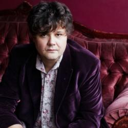 Back with a new album called 'Forever Endeavour,' Ron Sexsmith is Darren DeVivo's guest on Words & Music, tonight at 9pm. See video now.