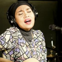 Thursday at 9pm on Words and Music: Malaysian singer-songwriter, Yuna, makes her Studio A debut.