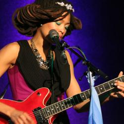 Valerie June at City Winery (photo by Dan Brauer)