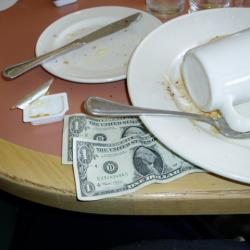 NY Servers Seek Raise as Restaurant Owners Defend Tip System