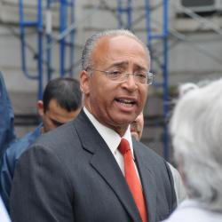 NYC School Leaders' Union Backs Thompson for Mayor