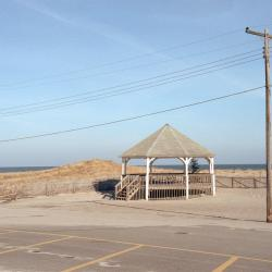 Suffolk County Lawmakers Extend Paid Parking Hours at Two Beaches