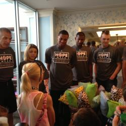 Yankees Comfort Children on Day 2 of HOPE Week