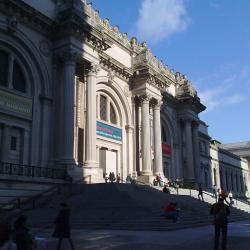 Teen Points Out Inaccurate Map to NYC's Met Museum