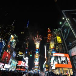 Hundreds of Thousands to Ring In 2013 in NYC