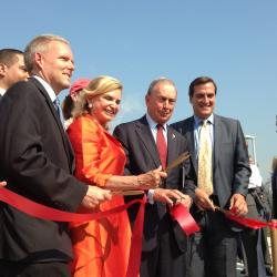Mayor Bloomberg Cuts the Ribbon on a New Waterfront Park in Queens
