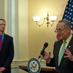 Schumer Bill Would Waive Visas for Polish Visitors
