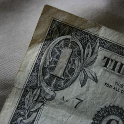 Conn. Committee Passes Minimum Wage Increase
